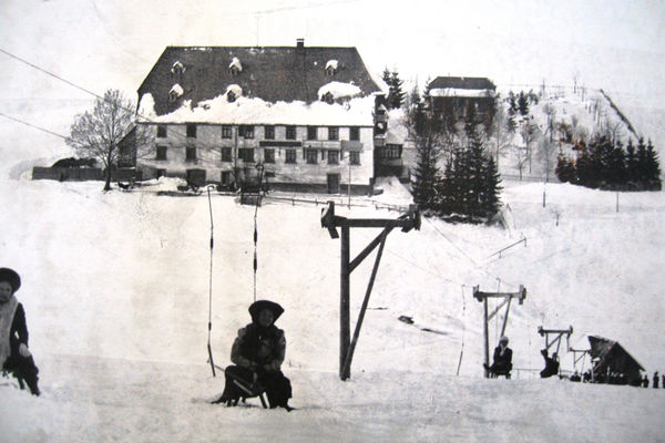 Wintersportweetje: De eerste skilift
